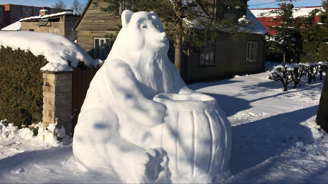 Giant snow sculptures pop up after snowstorm in Lithuania: from octopuses to an ice Ferrari
